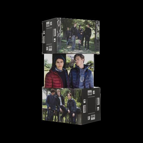 Totem espositivo 3 cubi sfalsati in cartone