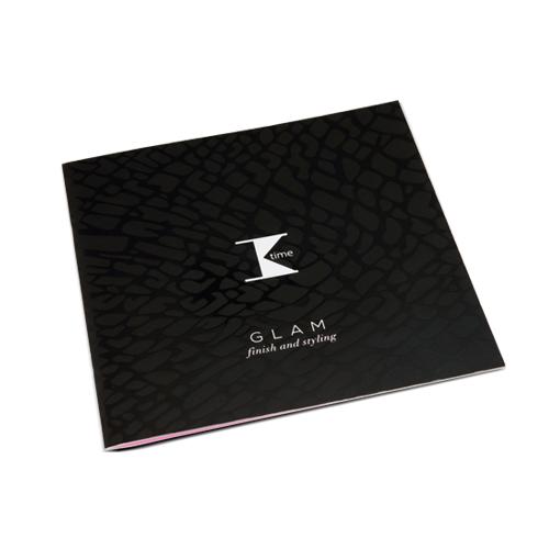 Brochure personalizzata con rilegatura a punto metallico